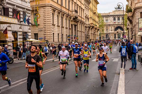 image of runners during Rome marathon